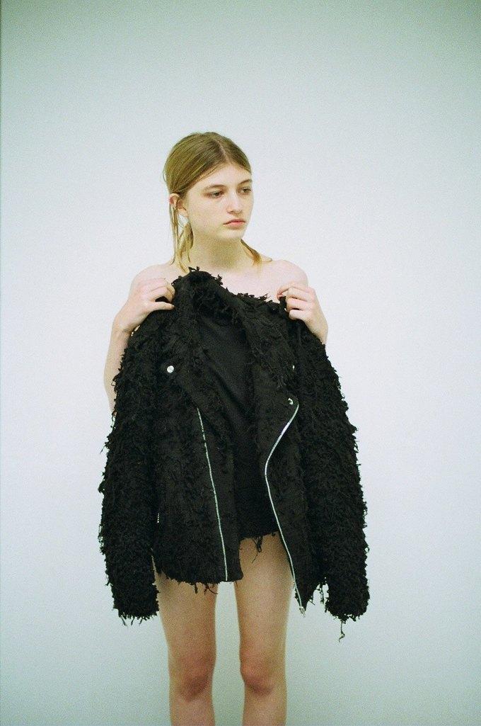 Джинсы цвета мяты и махровые куртки в лукбуке Faustine Steinmetz. Изображение № 8.