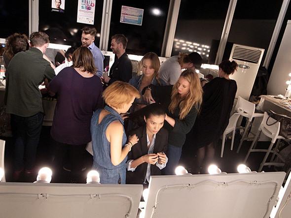 London Fashion Week: Бэкстейдж Danielle Scutt. Изображение № 14.