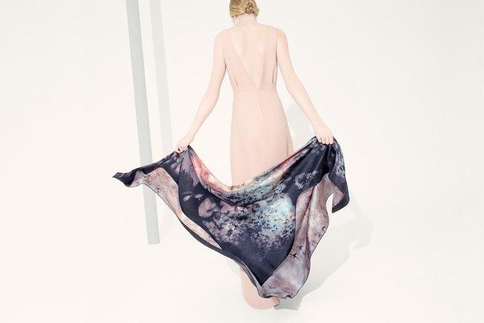 Цветы и леопард в коллекции шелковых платков Valentino. Изображение № 5.