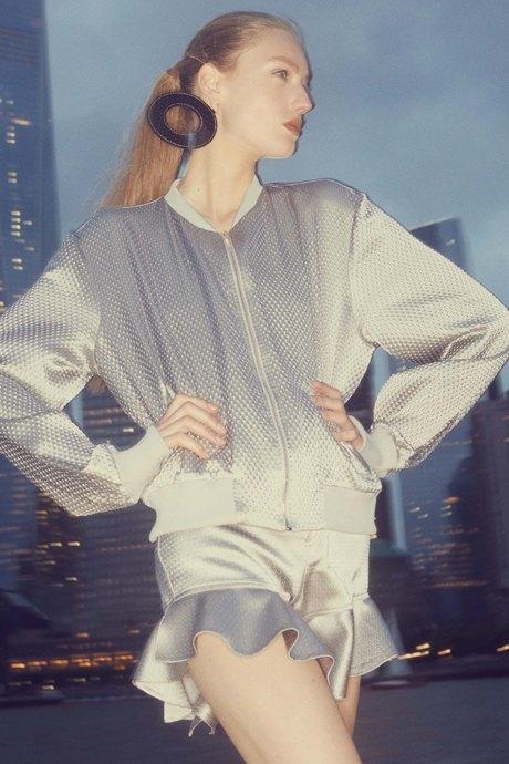 Как одеться в стиле 80-х: 10 актуальных образов. Изображение № 15.