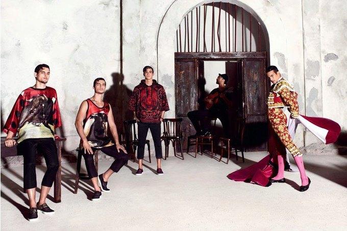 Бабушки и тореадор  в новой рекламе  Dolce & Gabbana. Изображение № 6.
