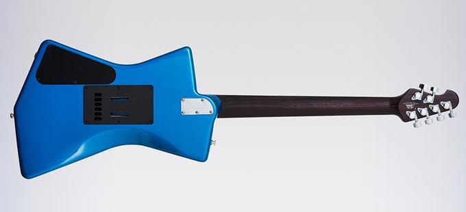 St. Vincent разработала дизайн гитары, удобной  для женской груди. Изображение № 5.