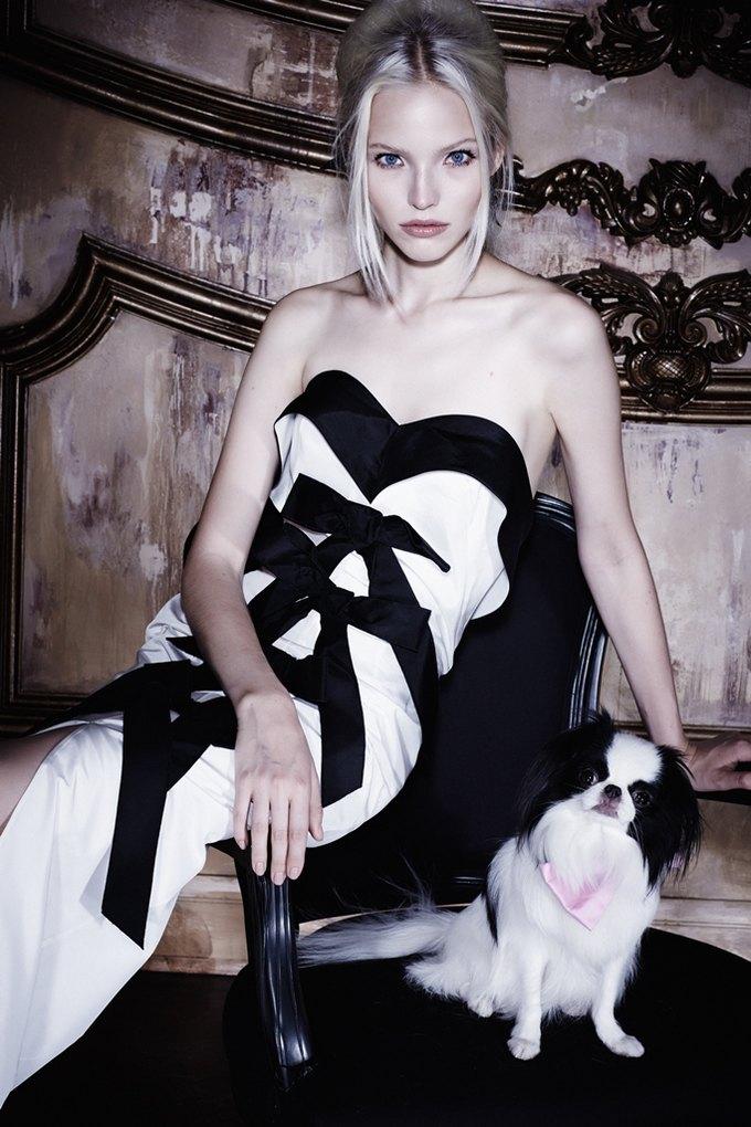 Саша Лусс с собачкой в новом лукбуке Bohemique. Изображение № 9.