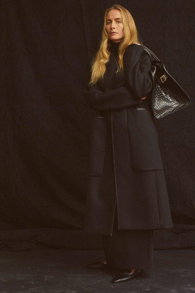 The Row показали лукбук  c 42-летней Джорджиной Гренвилл. Изображение № 14.