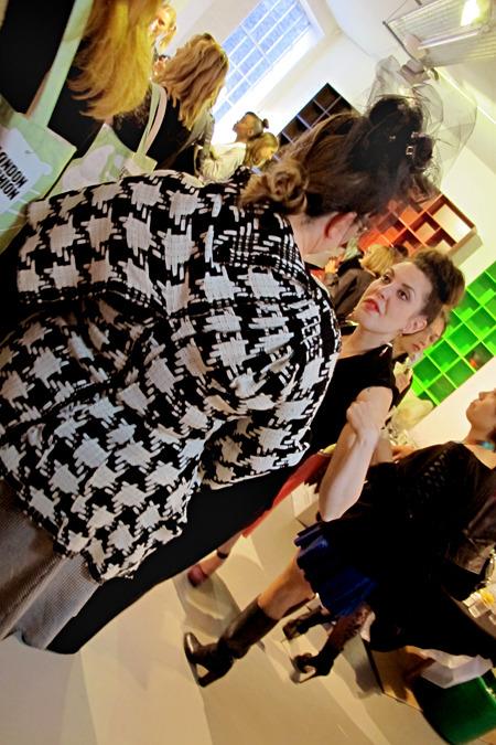 Дневник стилиста: Тесс Йопп о старушках, девочке-капкейк и облитой Джорджии Мэй Джаггер. Изображение № 34.