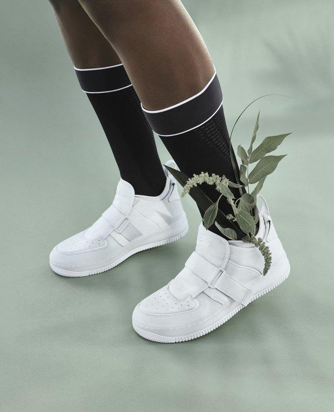 14 женщин-дизайнеров переосмыслили культовые кеды Nike. Изображение № 1.