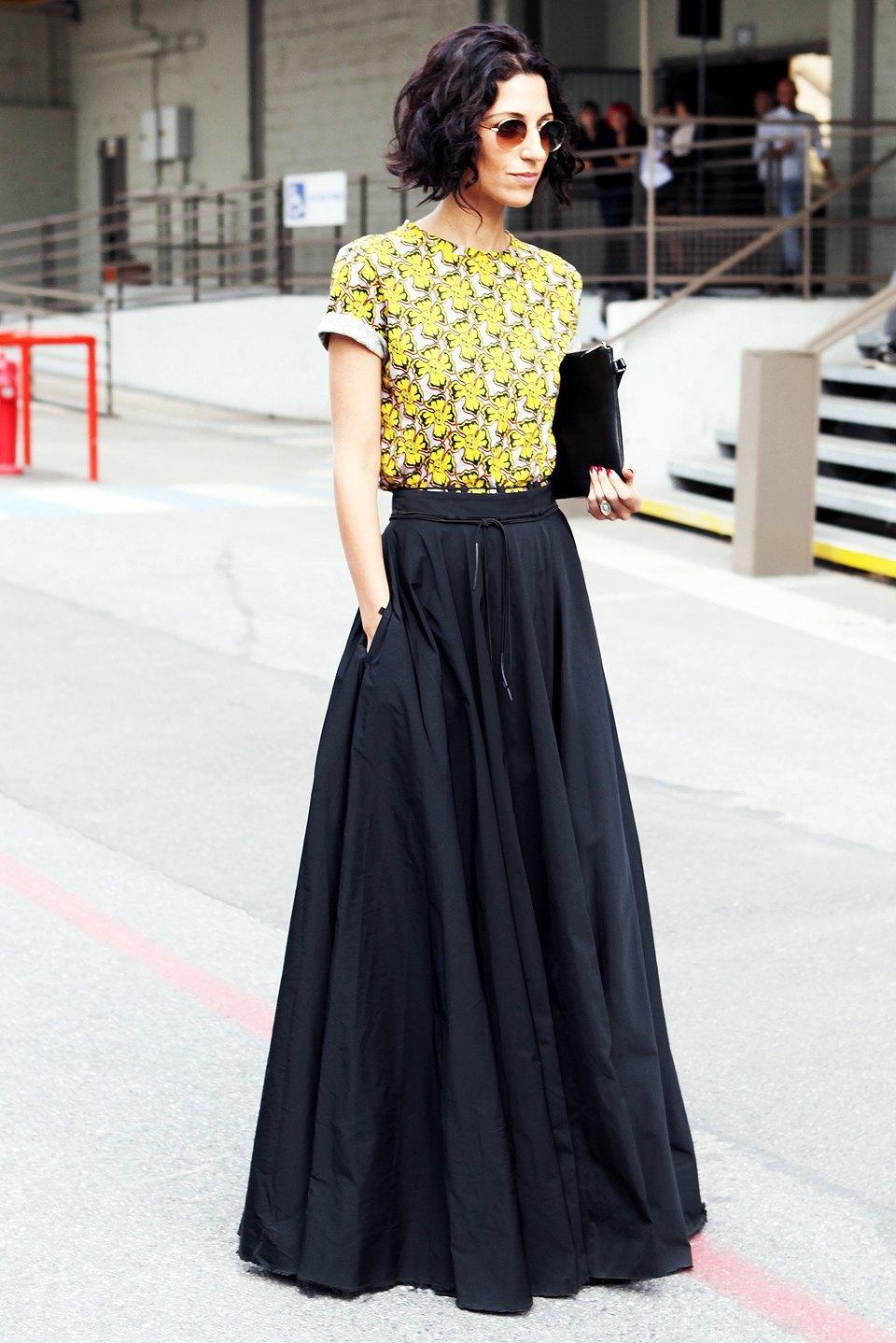 Кимоно, перья и сэтчелы на гостях показов Paris Fashion Week. Изображение № 7.