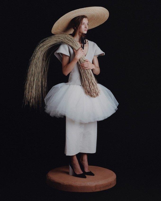 Jacquemus посвятили кампанию традиционной скульптуре Прованса. Изображение № 2.
