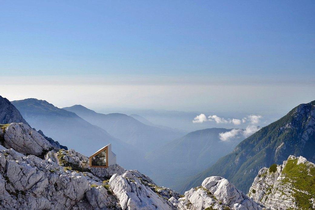 Горное убежище для хайкеров и альпинистов. Изображение № 1.