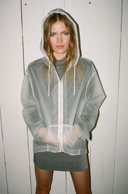 Пижамы, комбинации и халаты в новой коллекции Walk of Shame. Изображение № 39.