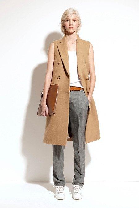Пальто и костюмы в лукбуке новой коллекции Michael Kors. Изображение № 27.