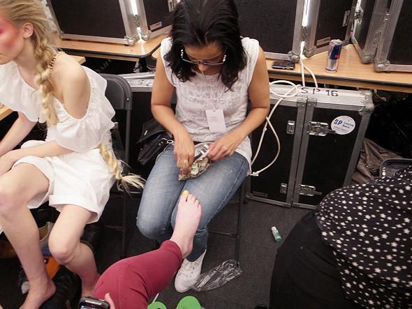 London Fashion Week: Репортаж с бэкстейджей House of Holland и Vivienne Westwood. Изображение № 29.