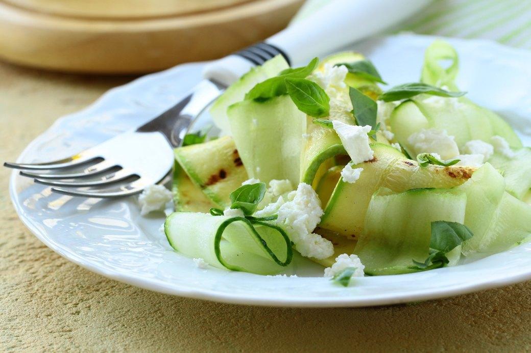 10 легких, но сытных  летних салатов. Изображение № 4.
