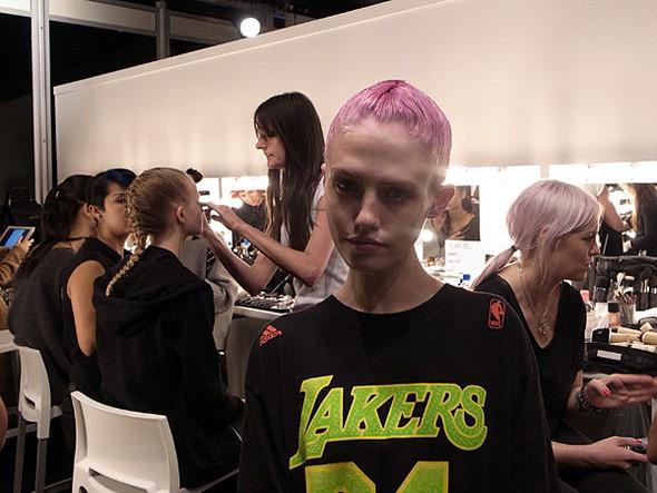 London Fashion Week: Бэкстейдж Danielle Scutt. Изображение № 3.
