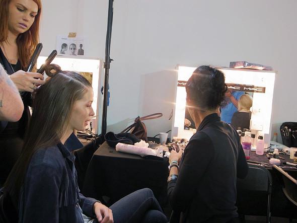 London Fashion Week: Репортаж с бэкстейджей House of Holland и Vivienne Westwood. Изображение № 8.