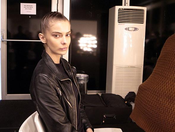 London Fashion Week: Бэкстейдж Danielle Scutt. Изображение № 12.