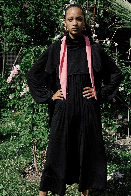 Новый лукбук Céline: Меховая обувь и идеальные костюмы. Изображение № 11.