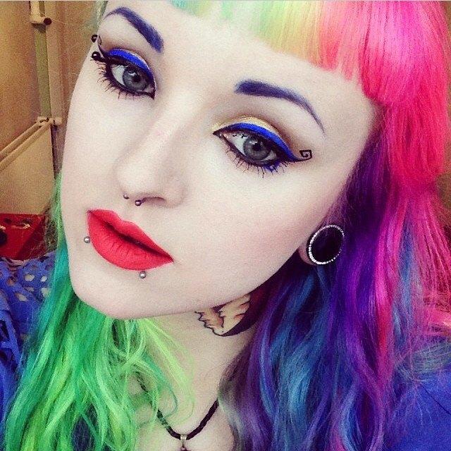 10 вдохновляющих  Instagram-аккаунтов про макияж. Изображение № 4.