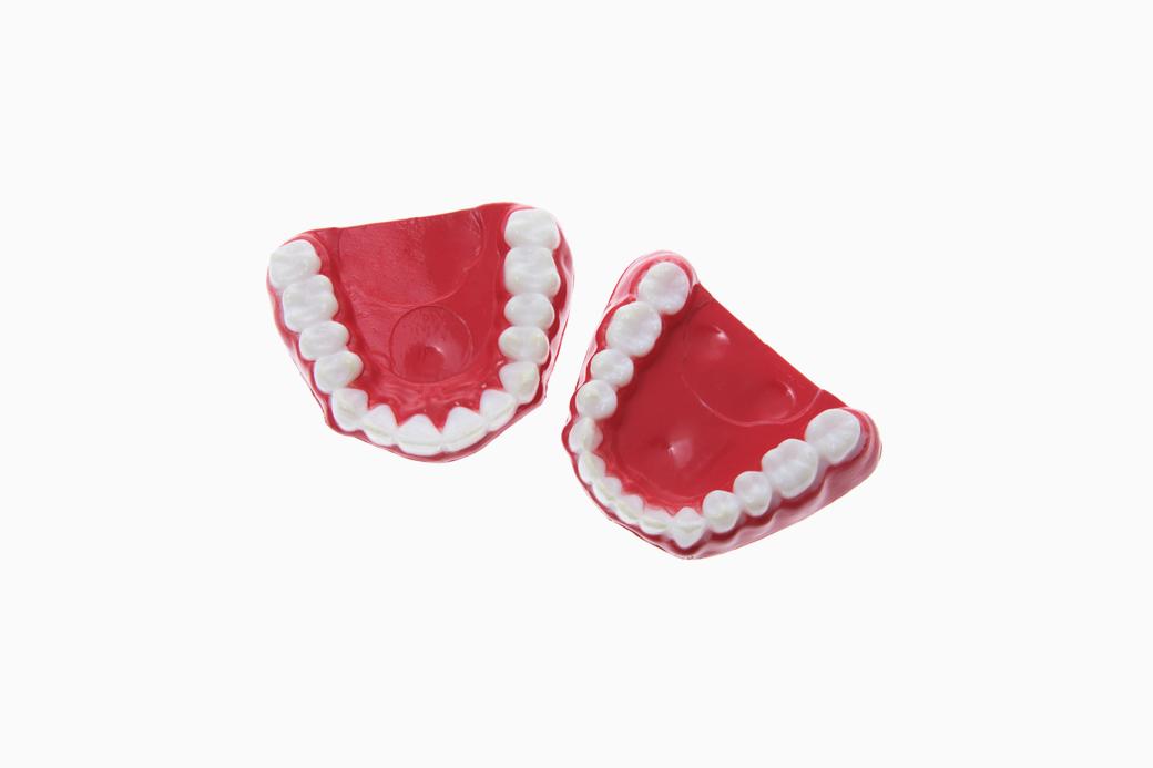 Кровь и зубная паста: Что делать, если болит десна. Изображение № 1.