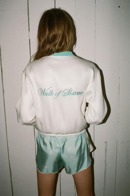 Пижамы, комбинации и халаты в новой коллекции Walk of Shame. Изображение № 36.