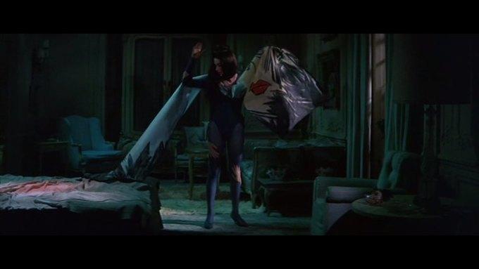 Что можно узнать о стиле  из комедии 60-х  «Что за путь!». Изображение № 7.