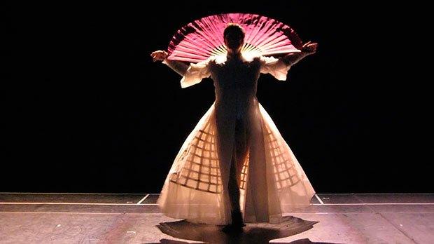 От Шанель до Тиши: Театральные костюмы модных дизайнеров. Изображение № 6.
