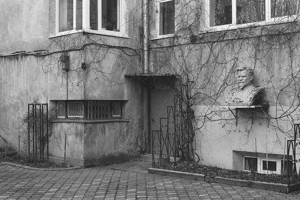 Печатный гид по Калининграду с показа Гоши Рубчинского. Изображение № 6.