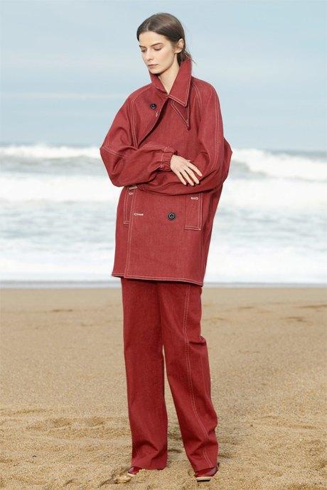 С чем носить широкие брюки: 6 актуальных вариантов. Изображение № 13.