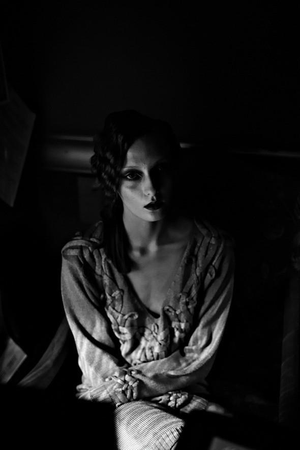 Изображение 39. Репортаж: Vardoui Nazarian FW 2011.. Изображение № 2.