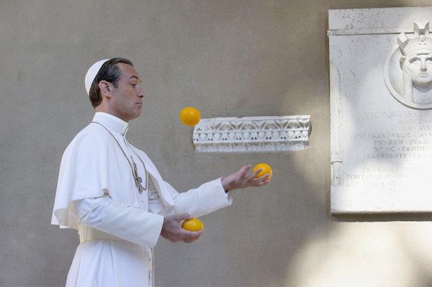 «Молодой папа»: Сериал Соррентино cДжудом Лоу обинтригах вВатикане. Изображение № 4.