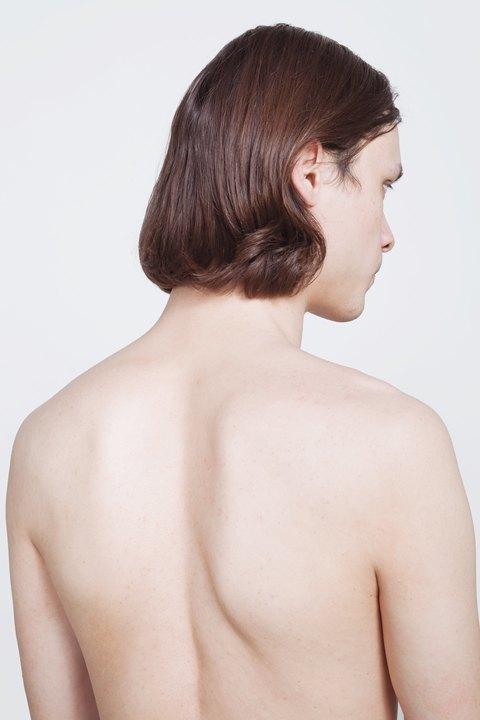 Голые и серьёзные:  Мужчины об отношении  к своему телу. Изображение № 22.