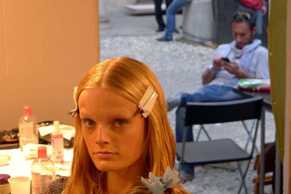 Alberta Ferretti: Бэкстейдж и показ SS 2012. Изображение № 6.