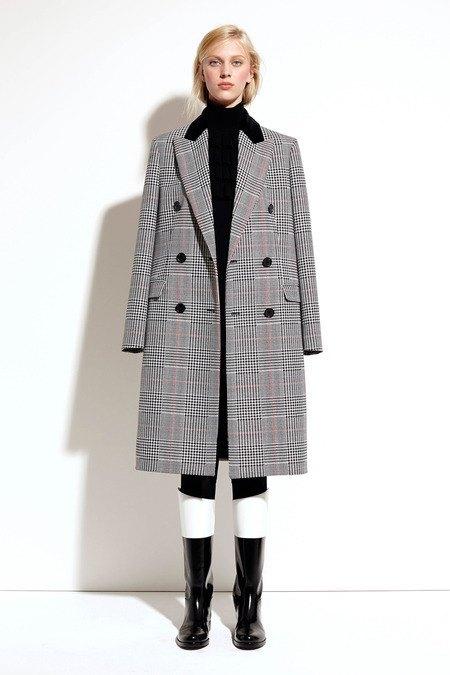 Пальто и костюмы в лукбуке новой коллекции Michael Kors. Изображение № 12.
