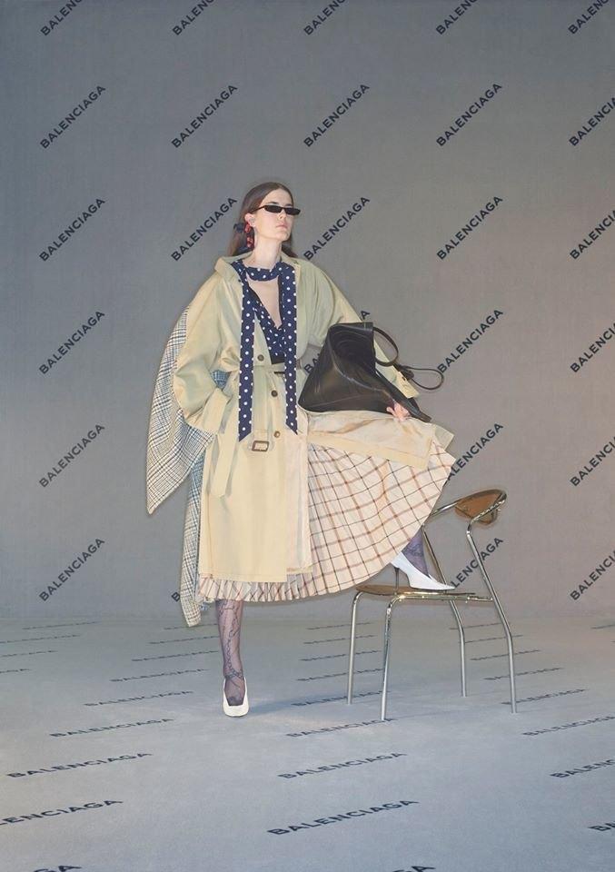 Balenciaga опубликовали «небрежную» рекламную кампанию. Изображение № 1.