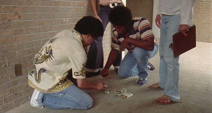 Что можно узнать о стиле 70-х из фильма «Под кайфом и в смятении». Изображение № 4.
