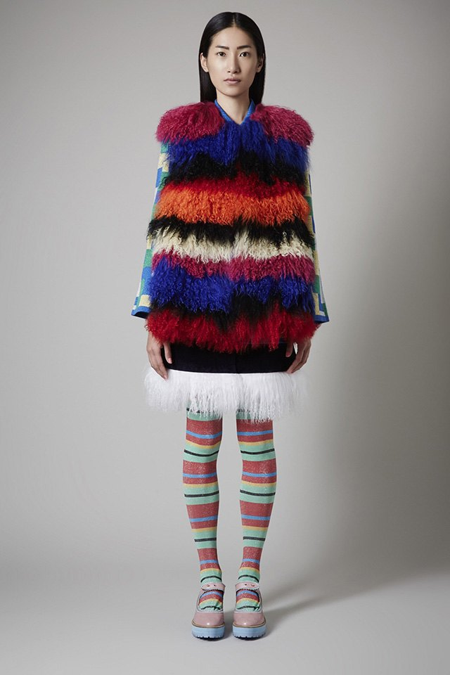 Вещи из цветного меха  в осенне-зимних  коллекциях. Изображение № 3.