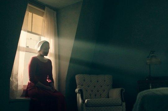 Без права на себя: Женское рабство в антиутопии «Рассказ служанки». Изображение № 2.