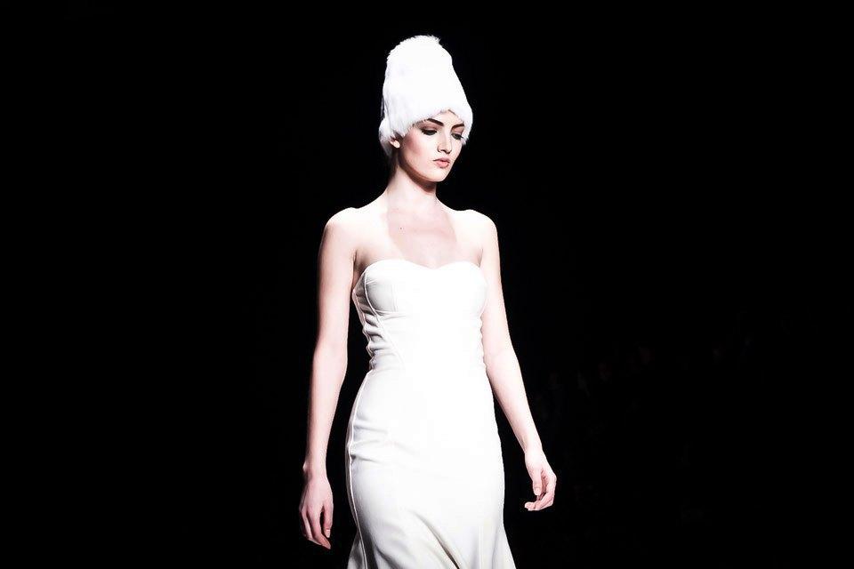 Репортаж: Летние платья  и меховые шапки Ruban FW13. Изображение № 27.