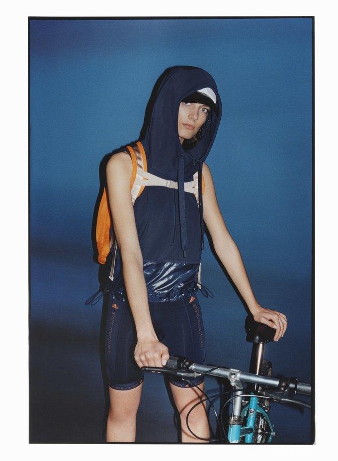 Cтелла Маккартни показала новую коллекцию для adidas. Изображение № 7.