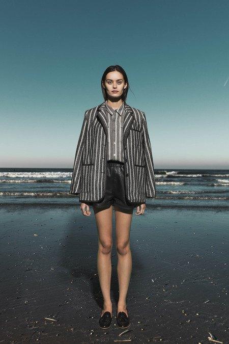 Леопардовые пальто и кружевные юбки в лукбуке Sea. Изображение № 15.