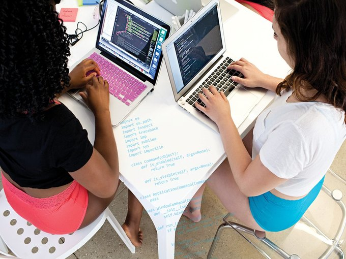 Dear Kate сняли лукбук  с женщинами, работающими в IT-сфере. Изображение № 3.