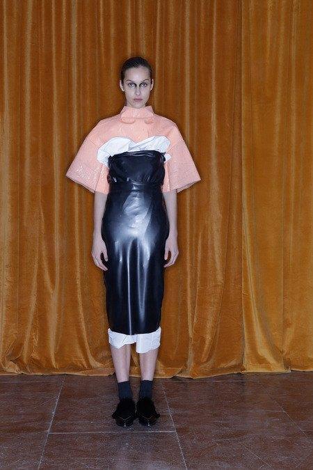 Toga рефлексирует на тему вестернов в новой женской коллекции. Изображение № 5.