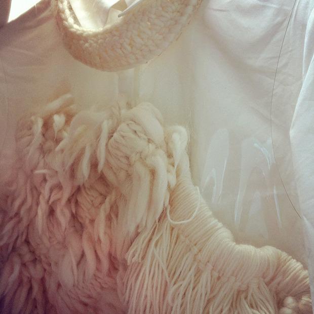 Дневник стилиста: Тесс Йопп о 3D-граффити, резиновых платьях и надувном динозавре. Изображение № 71.