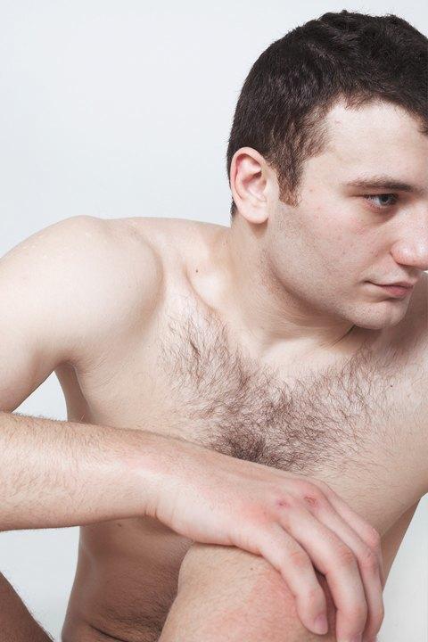Голые и серьёзные:  Мужчины об отношении  к своему телу. Изображение № 29.