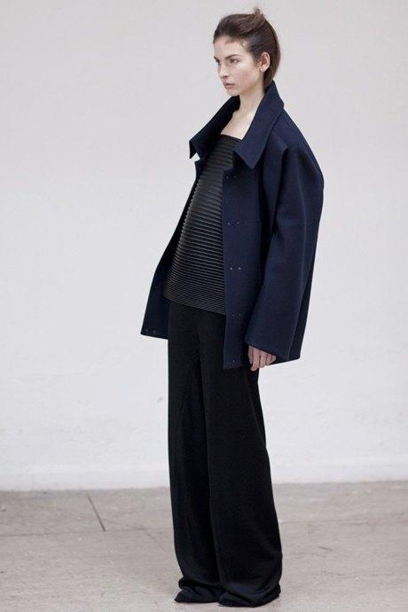 Thomas Tait:  Объемная одежда архитектурных форм. Изображение № 2.