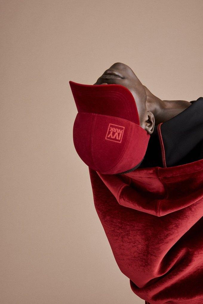 Одежда спортивной марки Бейонсе Ivy Park будет продаваться в России. Изображение № 13.
