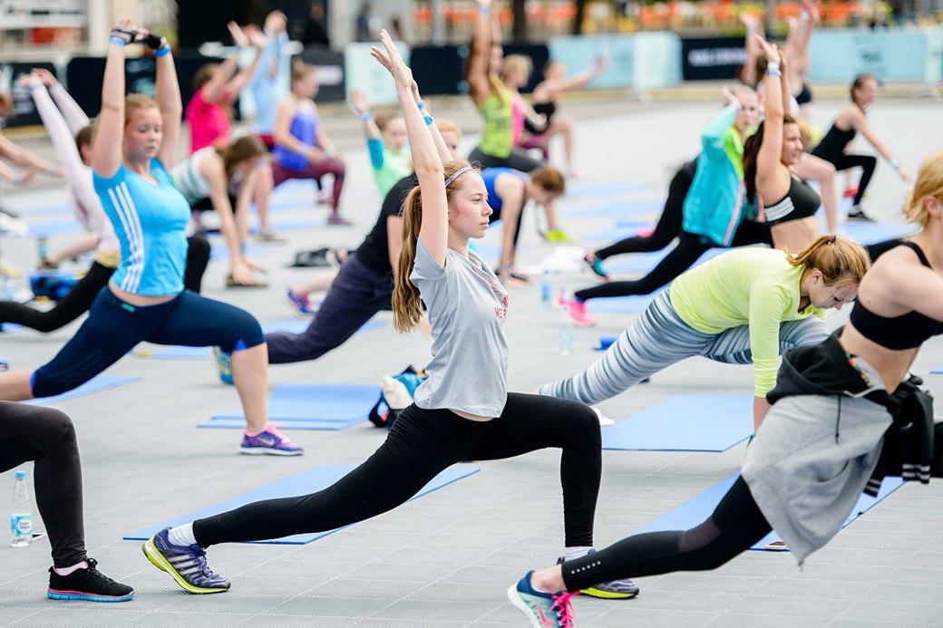 Фитнес-рейвы: Главный спортивный тренд лета. Изображение № 2.