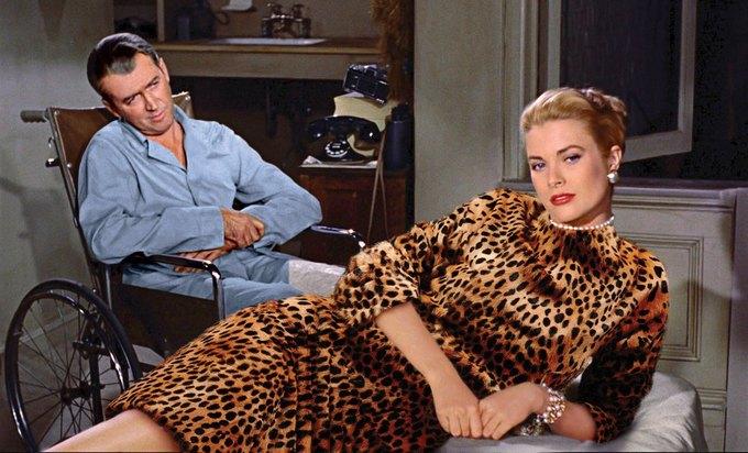Грейс Келли в «Окне во двор». На ней топ и юбка Tom Ford. Изображение № 13.