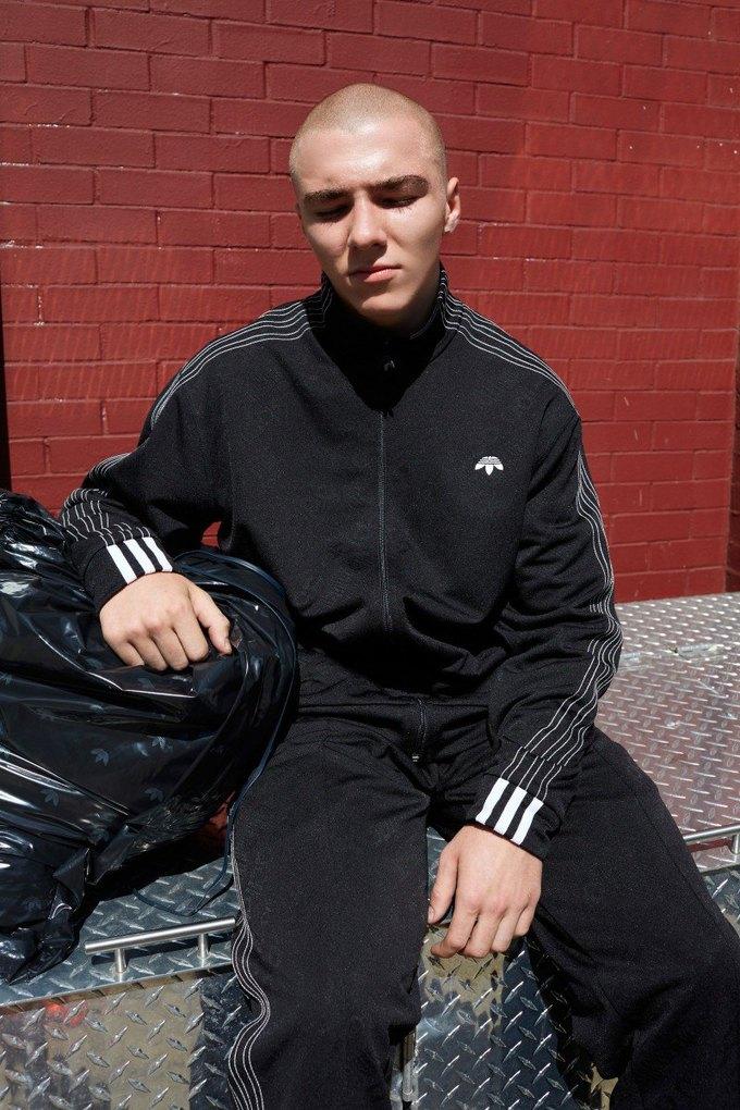 Александр Вэнг х adidas Originals: первые фото  и лукбук. Изображение № 21.