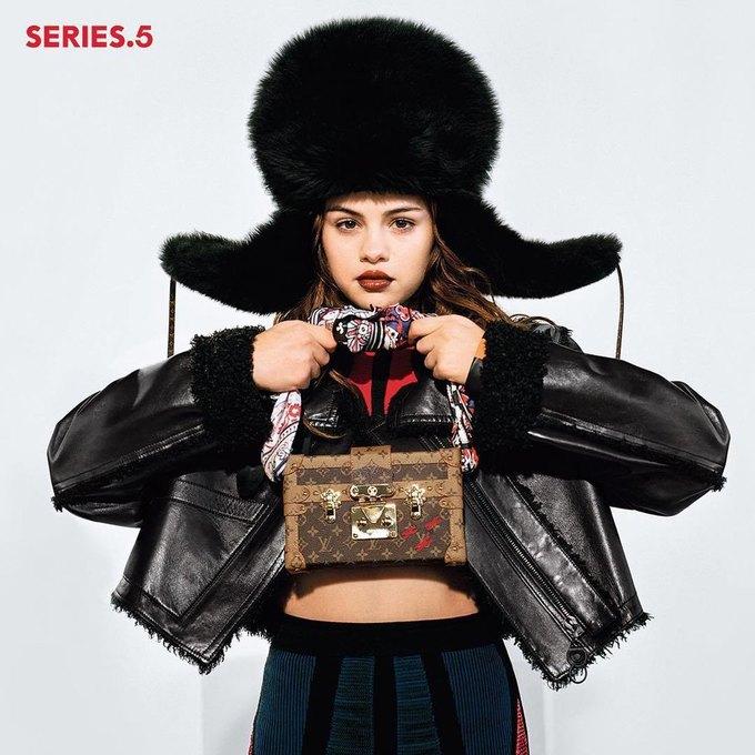 Селена Гомес стала лицом новой коллекции Louis Vuitton. Изображение № 1.